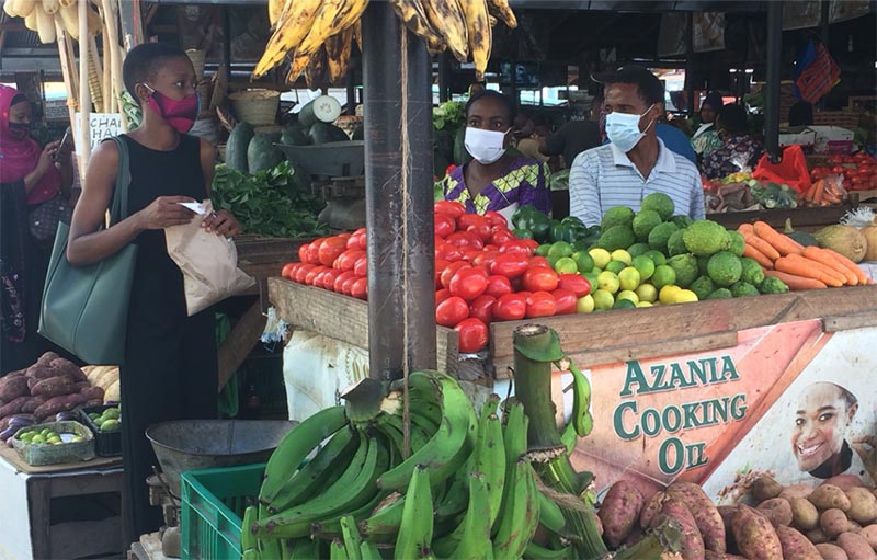 Masked shopping at Kisutu Market in Dar es Salaam, May 1, 2020. Photo credit Sophia George Mrema.